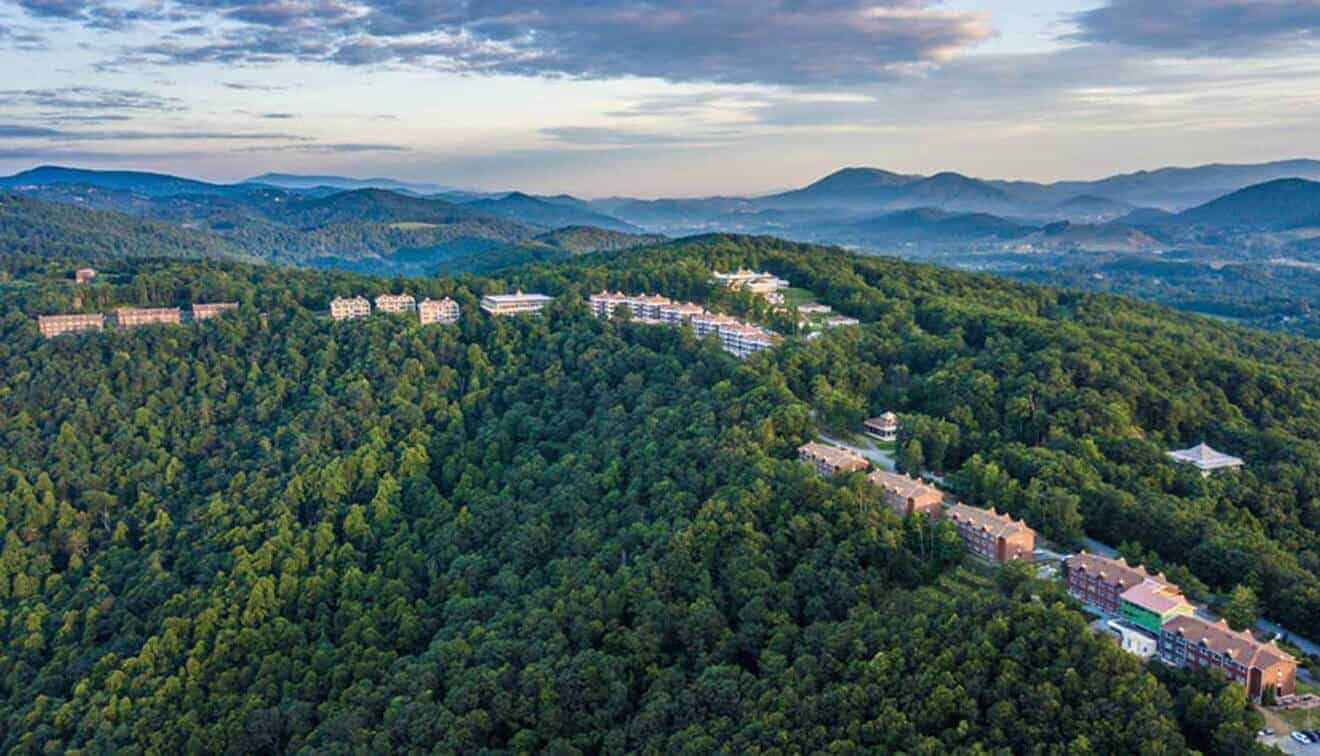 A Mountaintop retreat in Boone, NC
